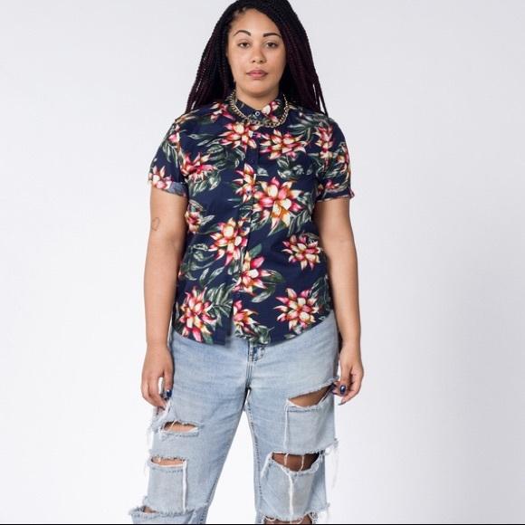 436861cdde0fbc  WILDFANG  Hawaiian Style Floral Print Shirt NWT